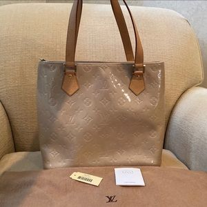 Louis Vuitton Houston Vernis Beige Tote Bag